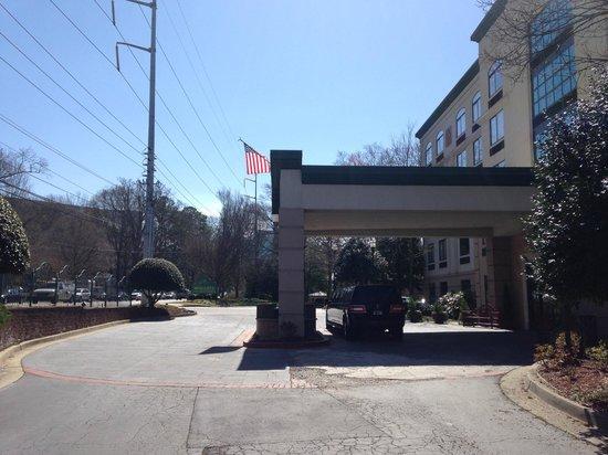 Wingate by Wyndham Atlanta/Buckhead: Frente do Hotel