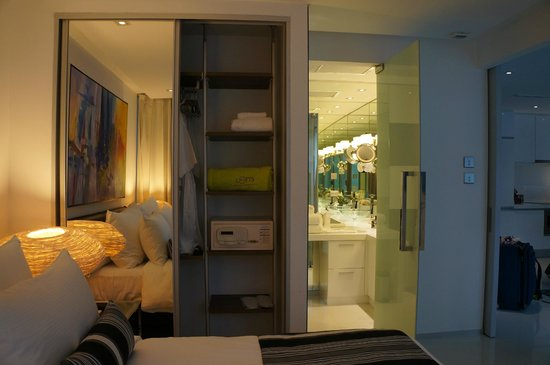 BYD Lofts Boutique Hotel & Serviced Apartments: View from bed towards the bathroom