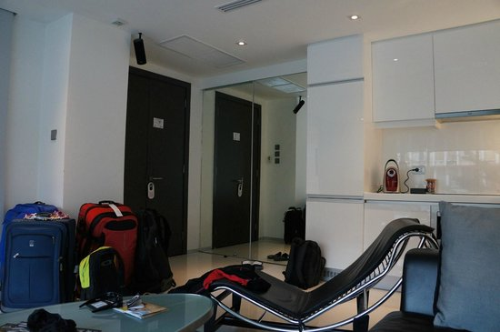 BYD Lofts Boutique Hotel & Serviced Apartments: Room entrance