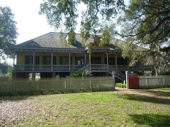 Laura: A Creole Plantation: Main Home of Laura's plantation