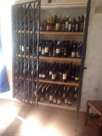 Donaldo's: Great wine store!