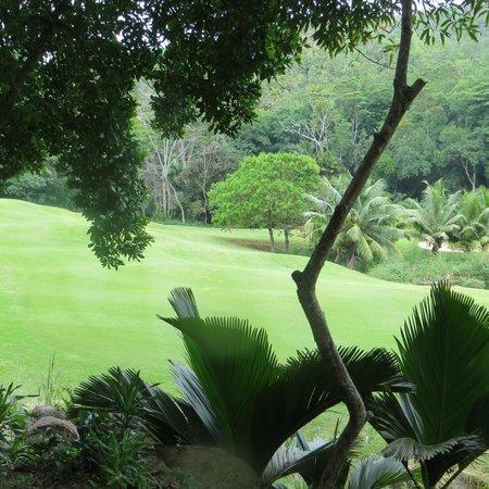 Constance Lemuria: Lémuria Golf Course 1