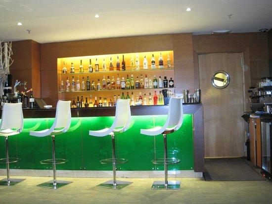 Gran Hotel Torre Catalunya: Bar-cafeteria