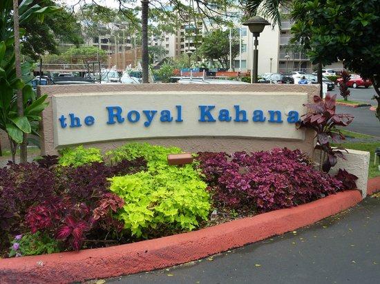 Royal Kahana: Entrance Sign