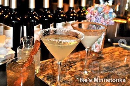 Ike's Minnetonka: Wine bar