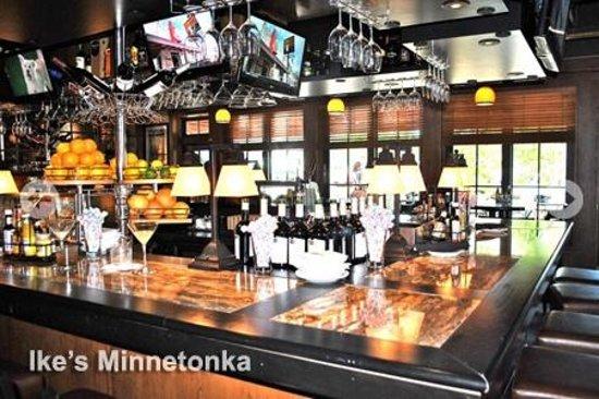 Ike's Minnetonka: lounge