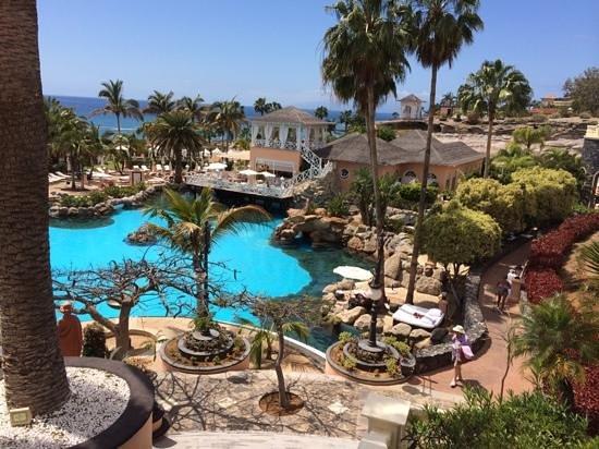 Gran Hotel Bahia del Duque Resort: view of the big pool