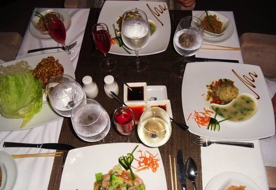 Temptation Cancun Resort: Dinner at Village Wok