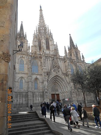 Barcelona Cathedral : Gothic exterior of cathedral