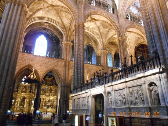 Barcelona Cathedral : an example of the ornate interior