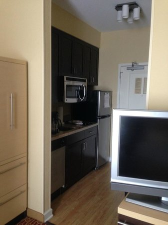 TownePlace Suites Dayton North : Kitchen