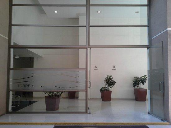 Apart Altamira : Entrada do prédio