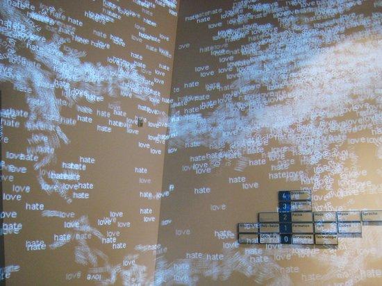 Militärhistorisches Museum der Bundeswehr Dresden: Art installation