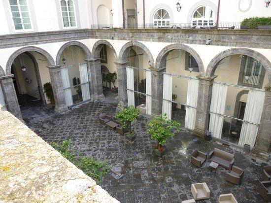 Palazzo Caracciolo Napoli MGallery by Sofitel: Innenhof