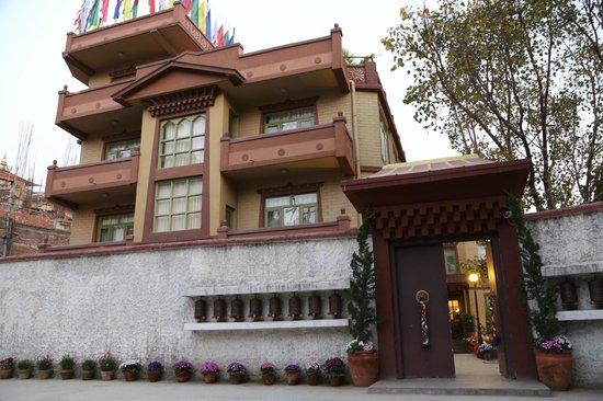 Shambaling Boutique Hotel: vooraanzicht hotel