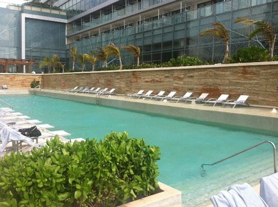 Secrets The Vine Cancun : One of the many pools!