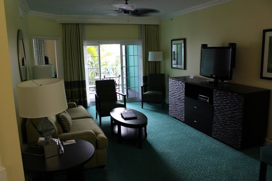 Atlantis - Harborside Resort: Living room