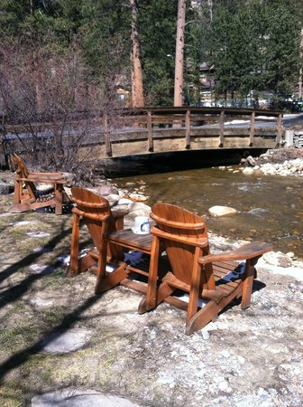 River Stone Resort and Bear Paw Suites: Our patio