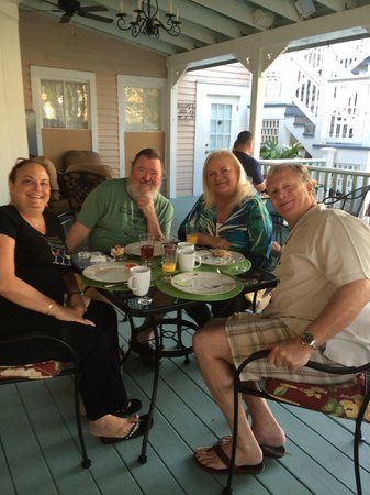 The Kenwood Inn: breakfast on the patio