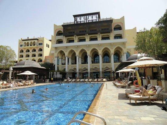 Shangri-La Hotel, Qaryat Al Beri, Abu Dhabi : Piscina do hotel