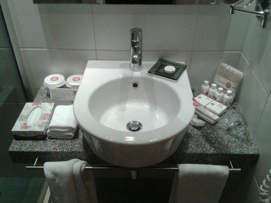Barut Hemera : Bathroom
