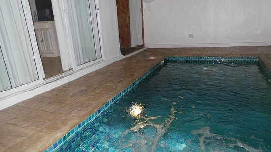 Costa Village Pattaya : our private pool