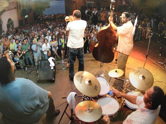 Piazza G. Motta: seit 30 Jahre Jazzfestival Ende Juni