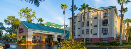 Hampton Inn & Suites Tampa - North: Exterior Day