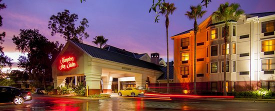Hampton Inn & Suites Tampa - North: Exterior Night