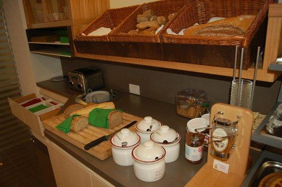 Aktivhotel Santalucia: Reiche Brot- und Brötchen-Auswahl