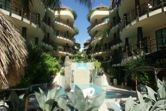 El Taj Oceanfront & Beachside Condos Hotel: el taj