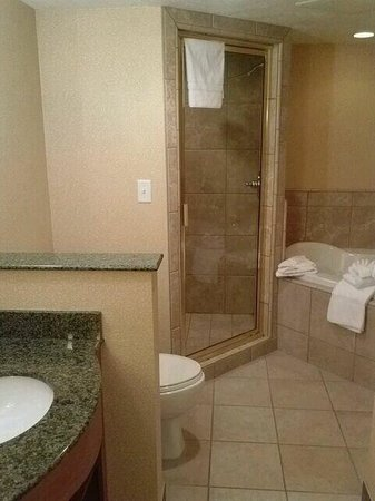 Large Bathroom With 2 Person Jetted Tub And Separate Walk