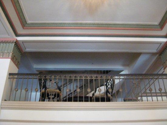Francis Marion Hotel : Mezzanine from lobby