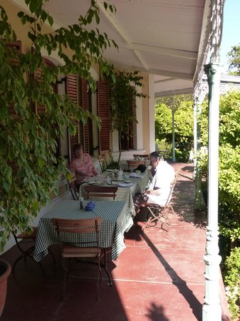 Bonne Esperance: Breakfast on terrace