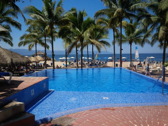 Friendly Vallarta All Inclusive Family Resort: Adult pool