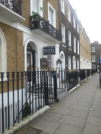 King's Cross Hotel: Entrada