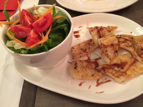 Tria Elegance Restaurant : Кальмар на гриле