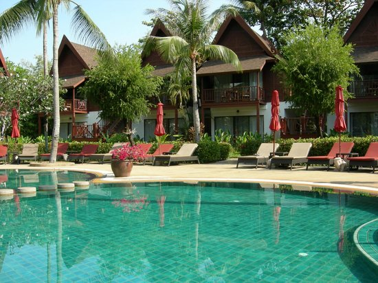 Amari Koh Samui: Poolbereich - im Hintergrund unser Zimmer 3121