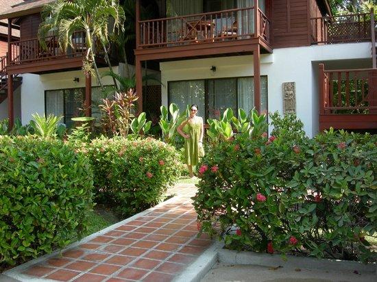 Amari Koh Samui: unser Zimmer im Parterre - vor dem hinteren Pool