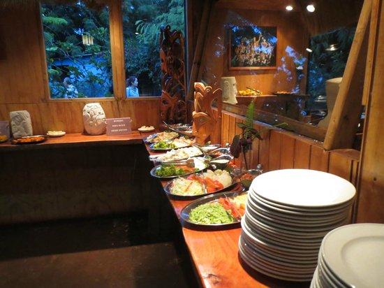 Te Ra'ai: More food!