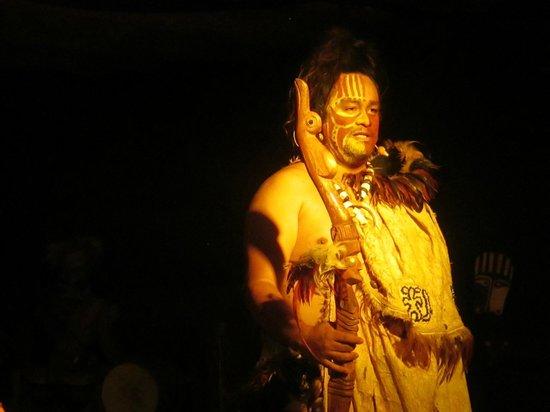 Te Ra'ai: Show narrator