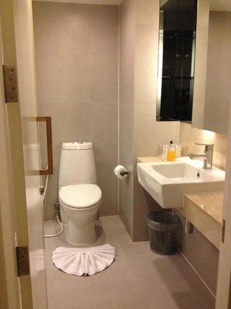 Trinity Silom Hotel : Room 319