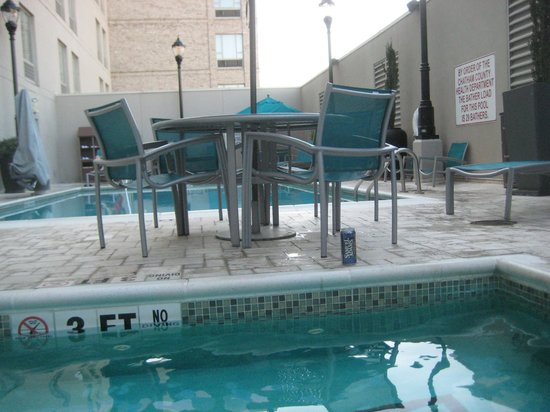 SpringHill Suites Savannah Downtown/Historic District: Pool och jacuzzi