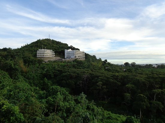 Cliffside Hotel Palau: View from balcony