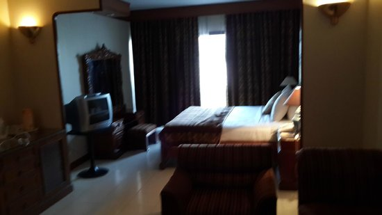 Regent Plaza Hotel: Bed Room