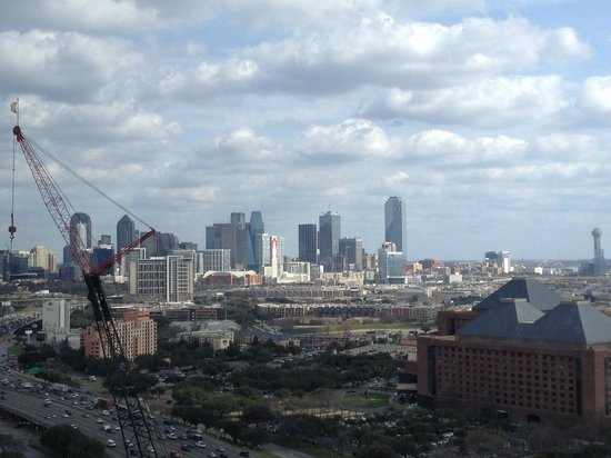 Renaissance Dallas Hotel : Construction crane in the way, but still a beautiful view