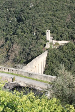 The Tower's Bridge : ponte dell'acquedotto