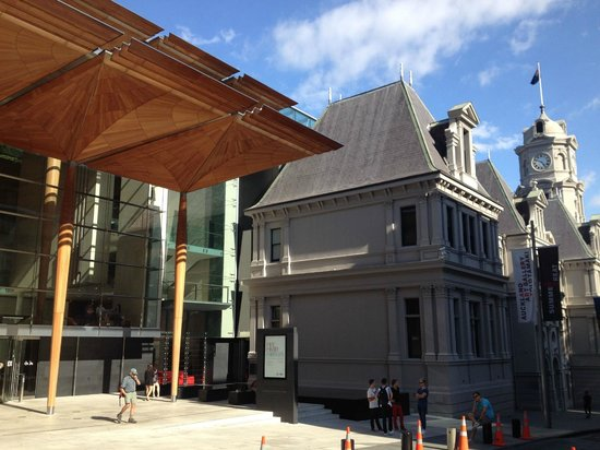 Auckland Art Gallery Toi o Tāmaki: The old and the new