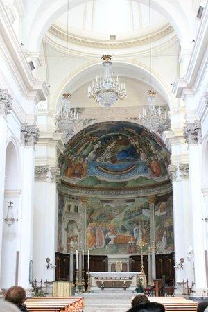 Spoleto, Italien: affresco dietro l'altare