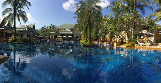 Holiday Inn Resort Phuket: Grande piscine